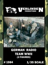 2 Figures 2059 Verlinden 1//35 Wounded Waffen-SS Tanker and German Soldier WWII